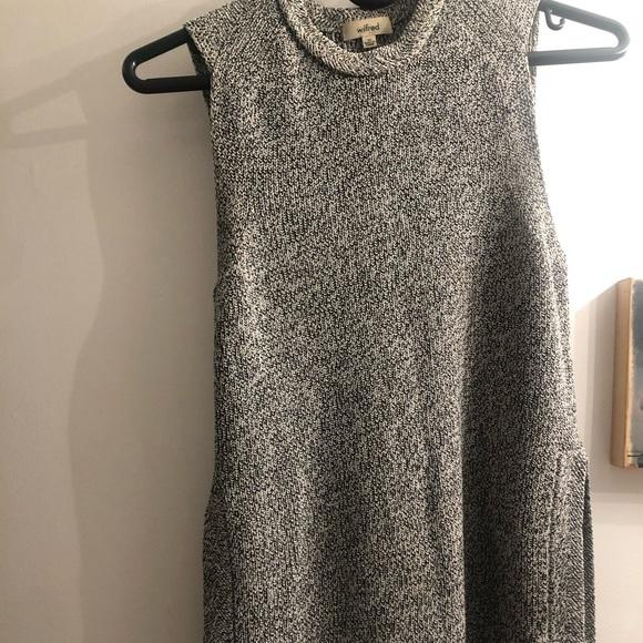 Aritzia sleeveless knit top